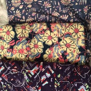 Lot of three tall and curvy leggings lularoe